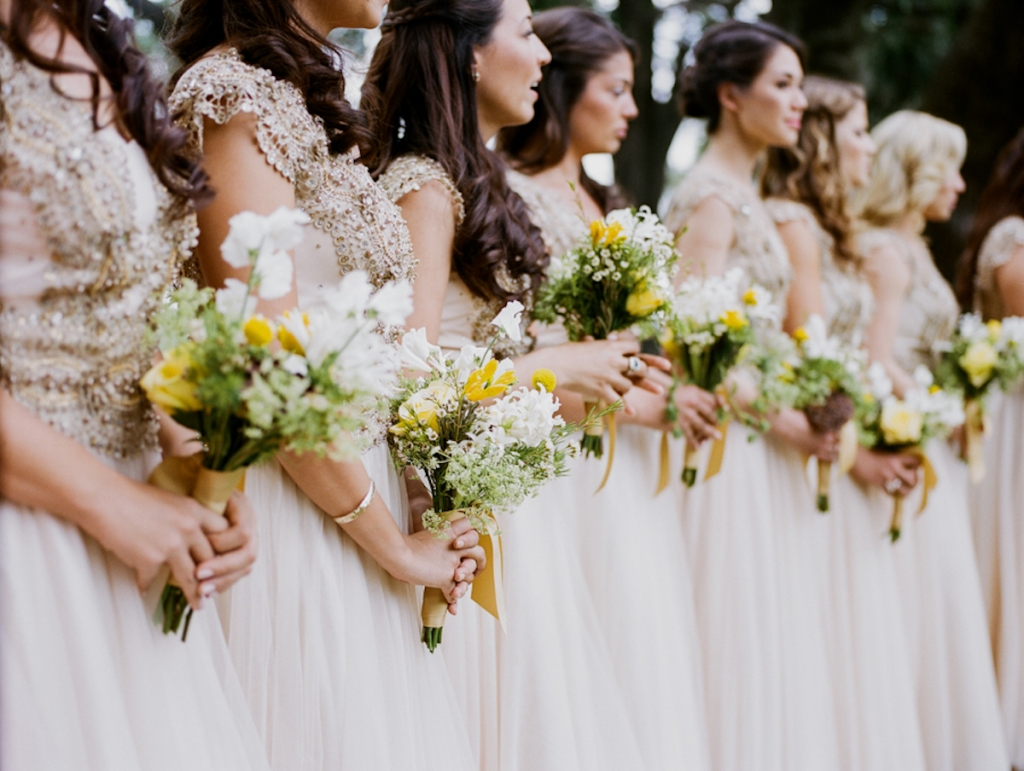 Photograph by Hyer Images. Bouquets by Loluma.