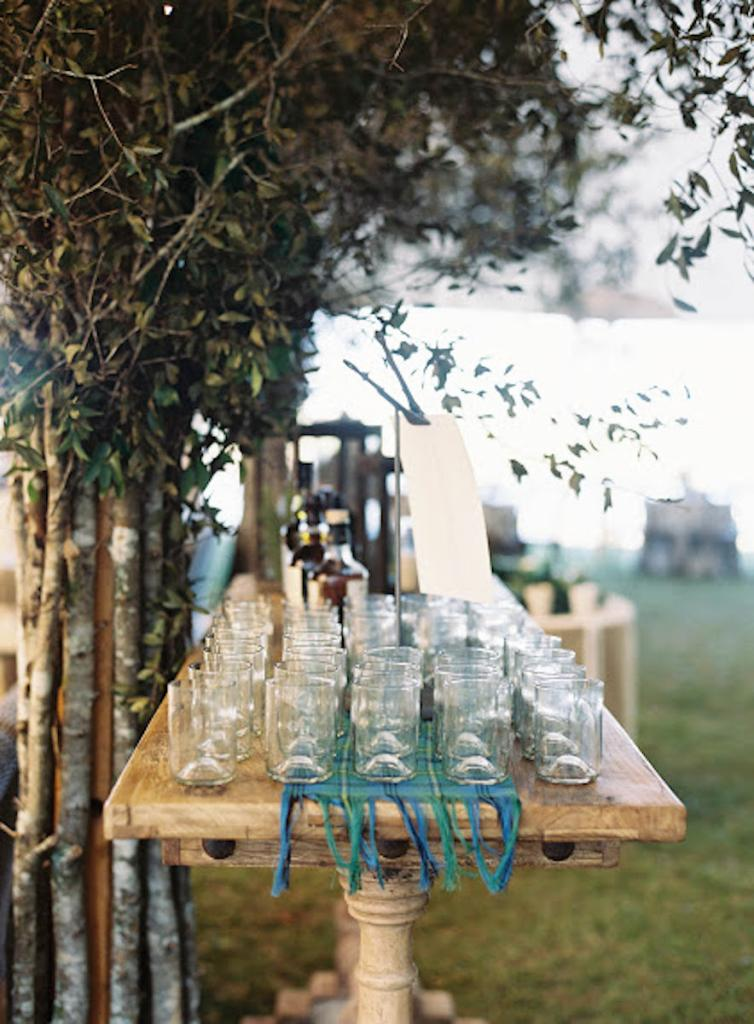 Custom bar by Blossoms Events. Bar service by Cru Catering. Photograph by Tec Petaja.