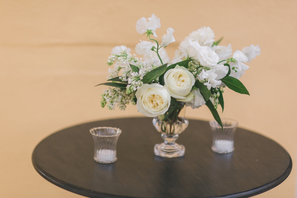 Wedding design by Kristin Newman Designs. Florals by Gathering Floral + Event Design. Image by Elisabeth Millay Photography.