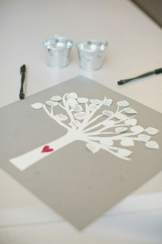 LEAVES OF LOVE: A simple tree print added a sentimental and artistic touch for the guest book.