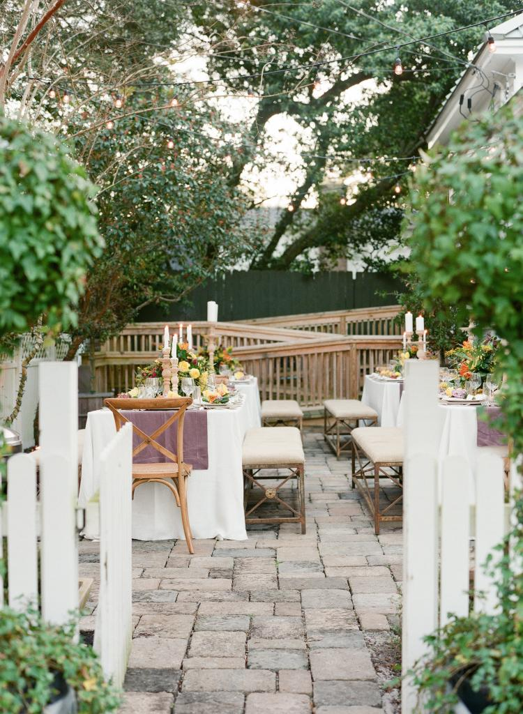 Event design and florals by Mindy Rice Floral & Event Design. Rentals, linens, tablewear, venue, and décor by Ooh! Events. Photograph by Corbin Gurkin.