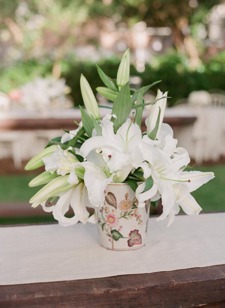 Wedding design by Tara Guerard Soiree. Florals by Tara Guerard Soiree. Photograph by Corbin Gurkin.
