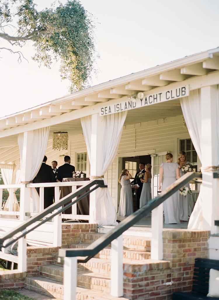 After Anna and Britt shared a private first look, they reconvened with their wedding party and everyone headed to the yacht club for ice-breaking cocktails before the ceremony ... and a look around the bedecked space.