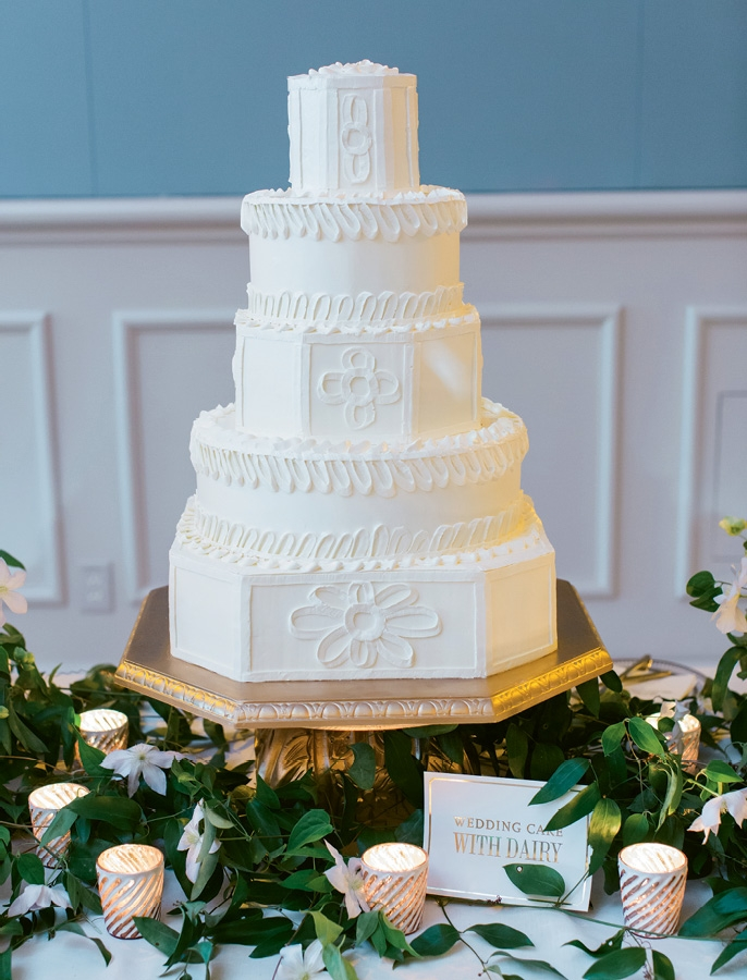 Cake: Wedding Cakes by Jim Smeal.  <i>Photograph by Liz Banfield</i>