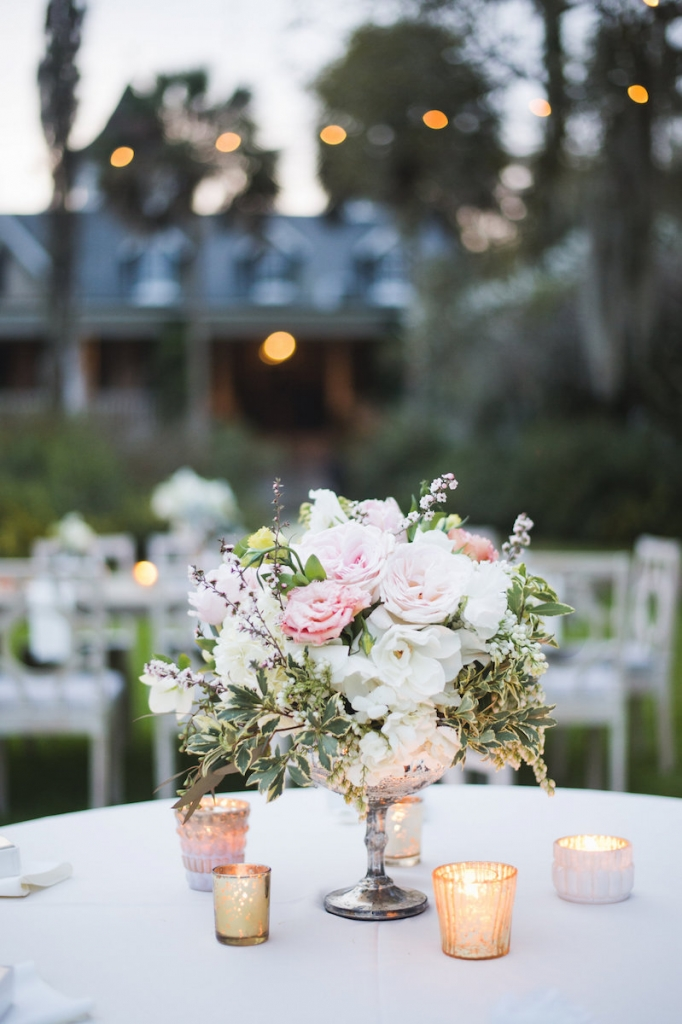 Florals by Out of the Garden. Image by Clay Austin Photography at Magnolia Plantation & Gardens.