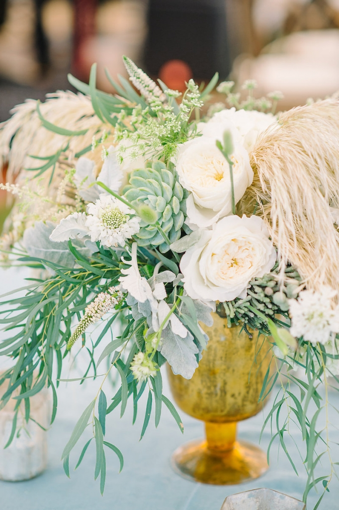 Florals by Branch Design Studio. Wedding design by Sweetgrass Social. Image by Aaron and Jillian Photography.