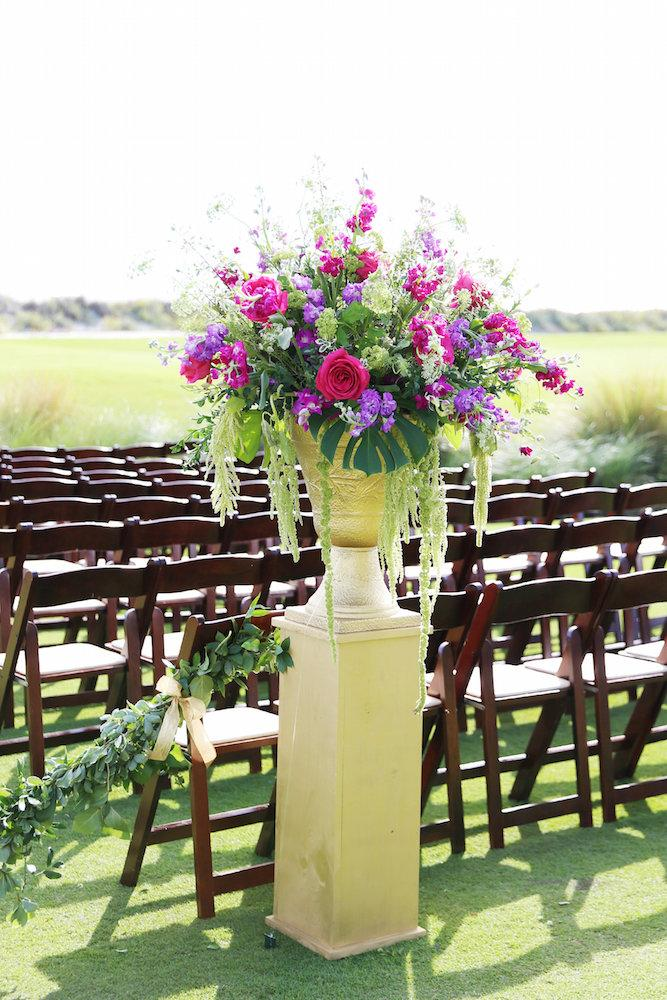 Wedding and floral design by A Charleston Bride. Image by Lindsay Collette Photography.