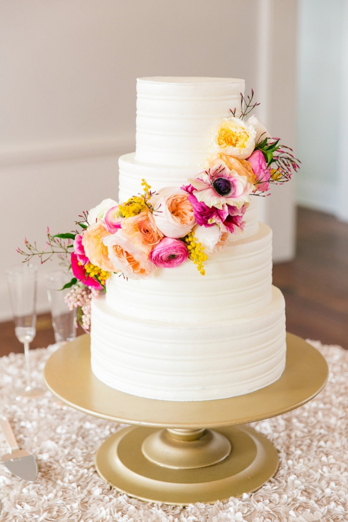Cake by Ashley Bakery. Florals by Branch Design Studio. Photograph by Dana Cubbage Weddings.