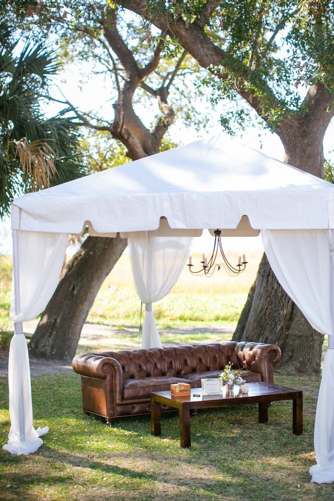 Wedding design by Pure Luxe Bride. Tent by Snyder Events. Lounge Furniture by Nuage Designs. Photograph by Dana Cubbage Weddings.