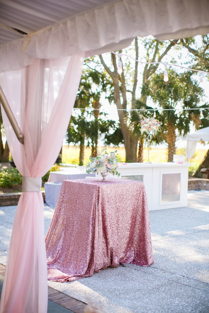 Wedding design by Pure Luxe Bride. Rentals by Snyder Events and Nuage Designs. Photograph by Dana Cubbage Weddings.