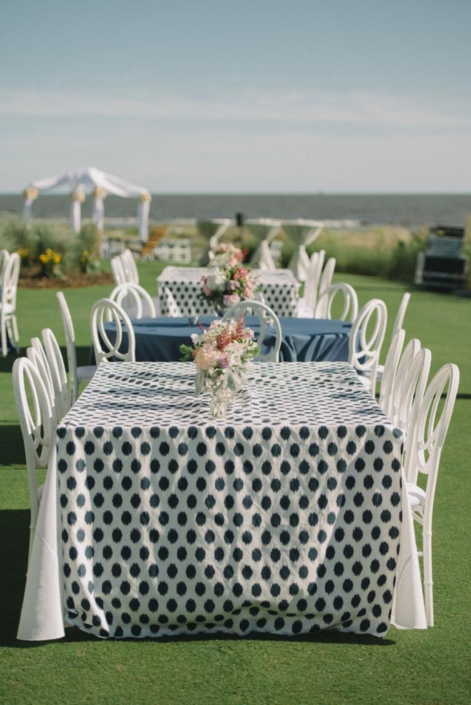 Wedding and floral design by A Charleston Bride. Photograph by Sean Money & Elizabeth Fay.