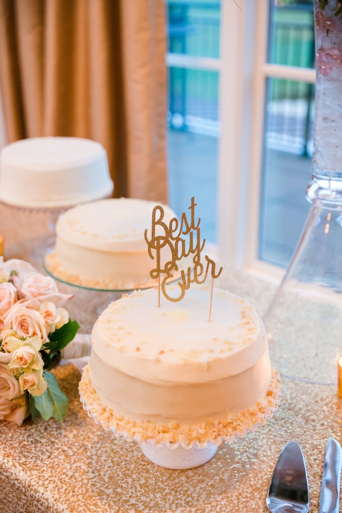 Cake by Sugar Bakeshop. Photograph by Dana Cubbage Weddings.