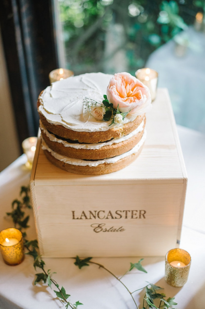 Image by Aaron & Jillian Photography. Cake by Wildflour Pastry.