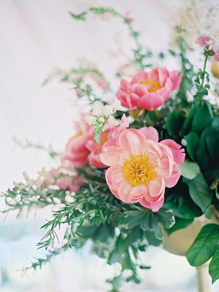 Wedding and floral design by A Charleston Bride. Image by Ryan Ray Photography.