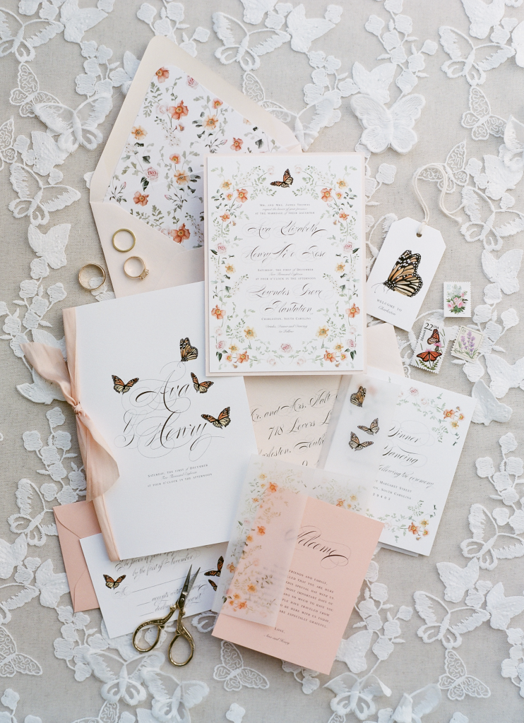 Dress your invitation suite in the same palette as your florals.