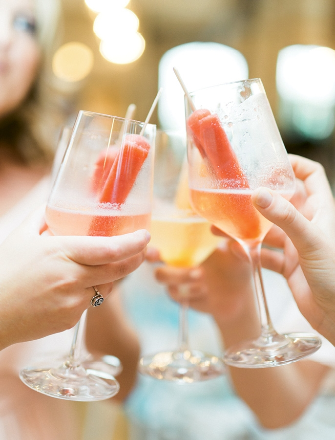 """Cool Sips - For summer weddings, offer """"champagne poptails,"""" made with Popcicles and prosecco.  <i>Image by Catherine Ann Photography</i>"""