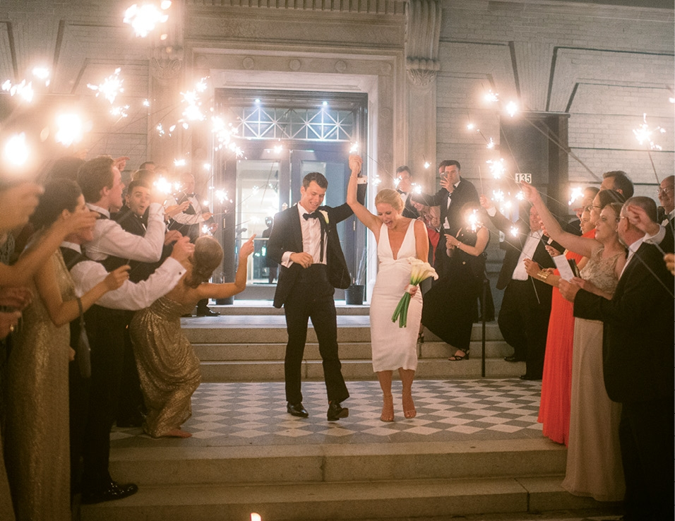 After a quick change into a cocktail dress, Lisa joined Mark for a grand exit. From there, the after party spilled into Market Street's Henry's Bar and Restaurant.  <i>Image Timwill Photography</i>