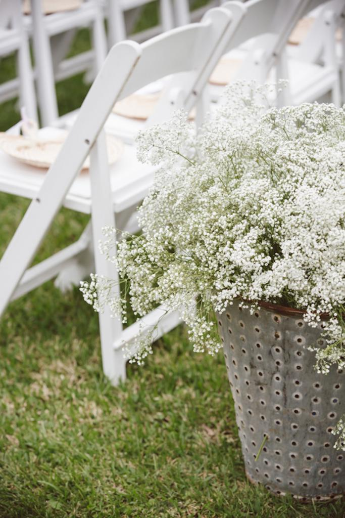 Florals and wedding design by Fox Events. Image by amelia + dan photography at Middleton Place.