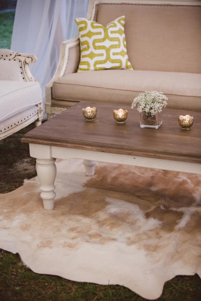 Lounge furniture from Snyder Events. Vintage rentals from 428 Main Vintage Rentals. Wedding design by Fox Events. Image by amelia + dan photography.
