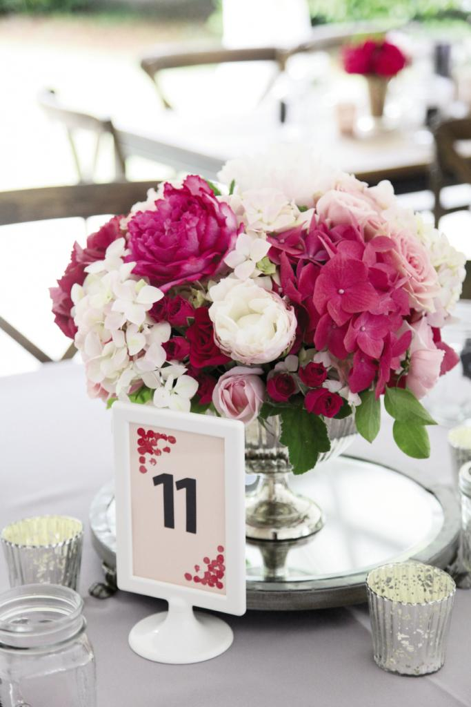 THE POWER OF FLOWERS: With so many different flowers and varying shades of pink, every arrangement looked unique.