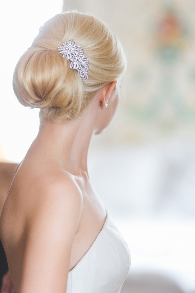 Bride's gown by Oscar de la Renta. Hair by Blushing Brides. Image by Elisabeth Millay Photography.