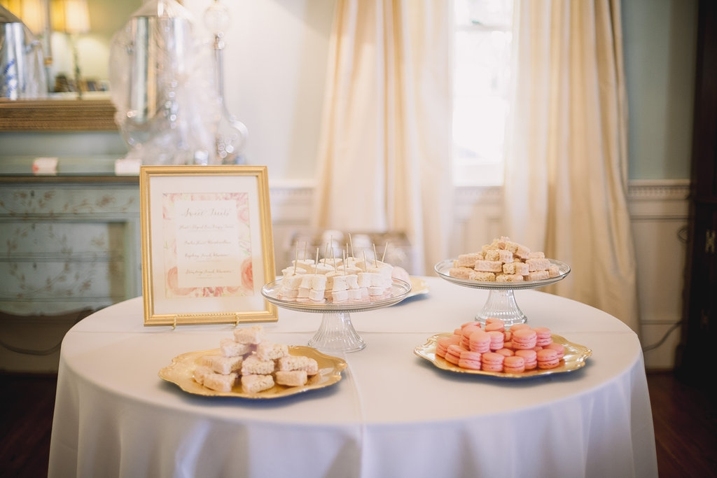 Desserts by WildFlour Pastry. Signage by Blue Glass Design. Image by Timwill Photography.