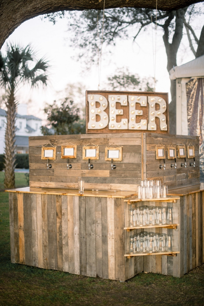 Wedding design by A Charleston Bride. Bar service by Patrick Properties Hospitality Group. Image by Timwill Photography.