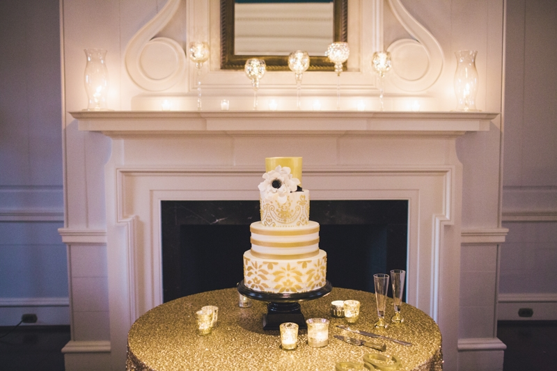 Cake by Wedding Cakes by Jim Smeal. Linens from Nüage Designs. Wedding design and coordination by Mingle. Photograph by Hyer Images.