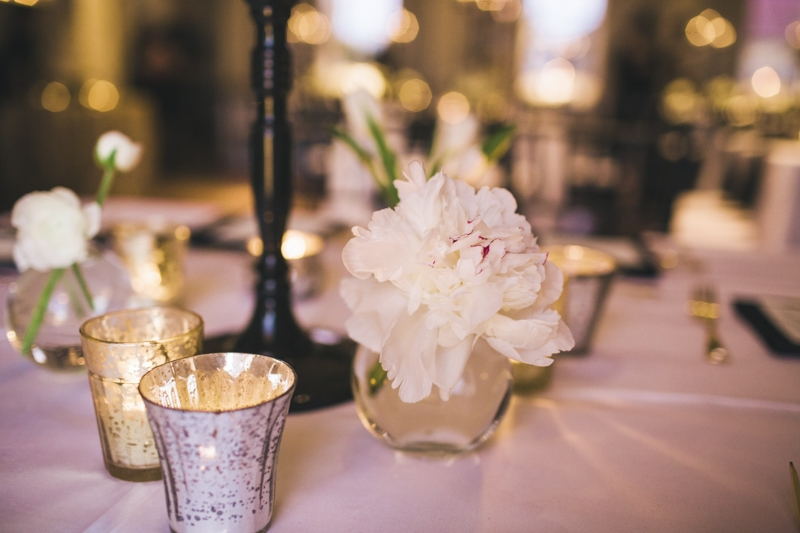 Florals by Branch Design Studio. Wedding design and coordination by Mingle. Photograph by Hyer Images.