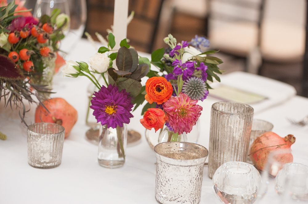 Florals by Charleston Stems. Day-of coordination by River Course at Kiawah Island Club. Photograph by Captured by Kate.