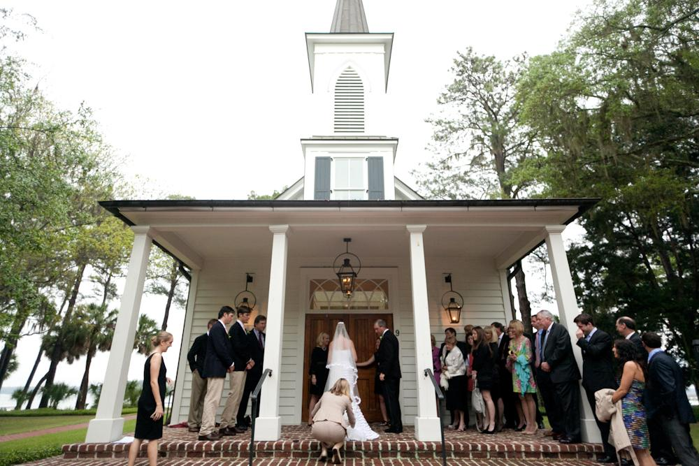 WHERE THE HEART IS: The bride and groom exchanged vows at the Inn at Palmetto Bluff's Waterside Chapel.