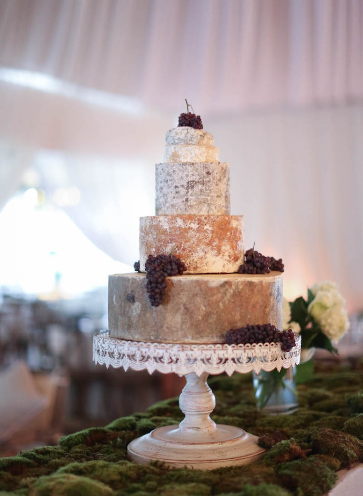 Cake by Wedding Cakes by Jim Smeal. Photograph by Elizabeth Messina.