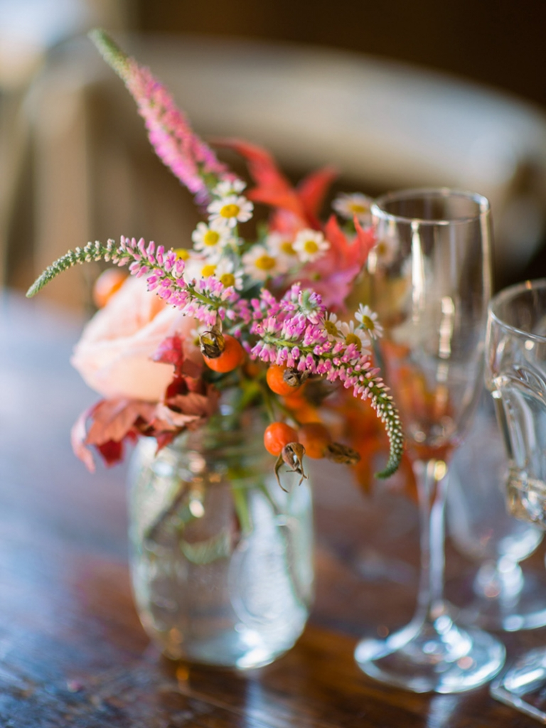 Florals by Branch Design Studio. Image by Timwill Photography.