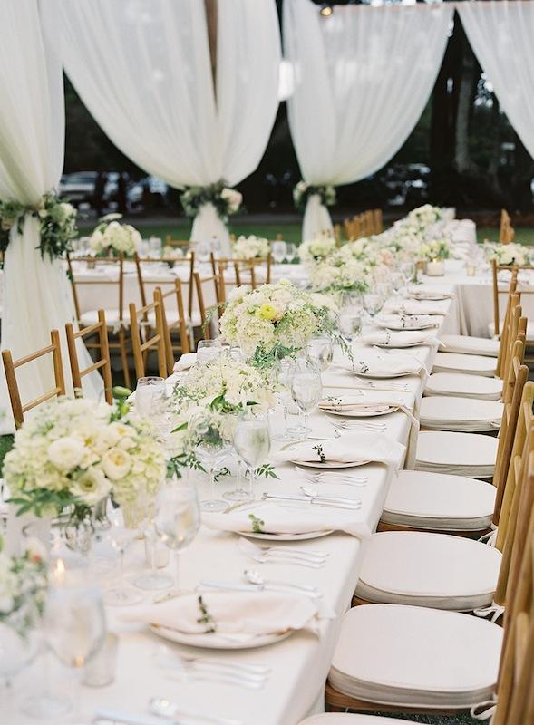 Wedding design and coordination by Easton Events. Rentals from Snyder Events. Florals and draping by Sara York Grimshaw Designs. Linens from La Tavola. Image by Virgil Bunao Photography at Lowndes Grove Plantation.