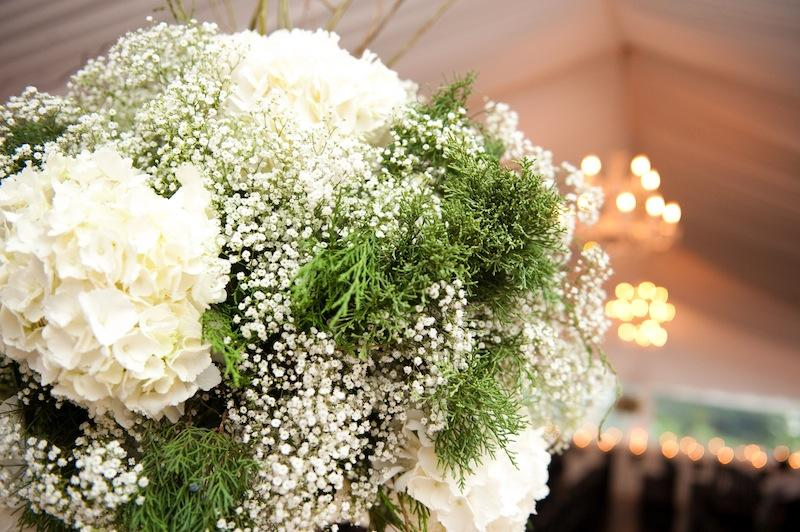 Florals by Tiger Lily Weddings. Image by Reese Moore Weddings.