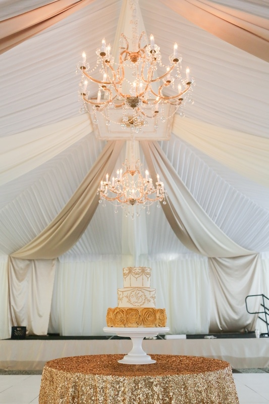 Tent from Snyder Events. Linens by La Tavola. Rentals by EventWorks. Cake by Wedding Cakes by Jim Smeal. Image by The Connellys.