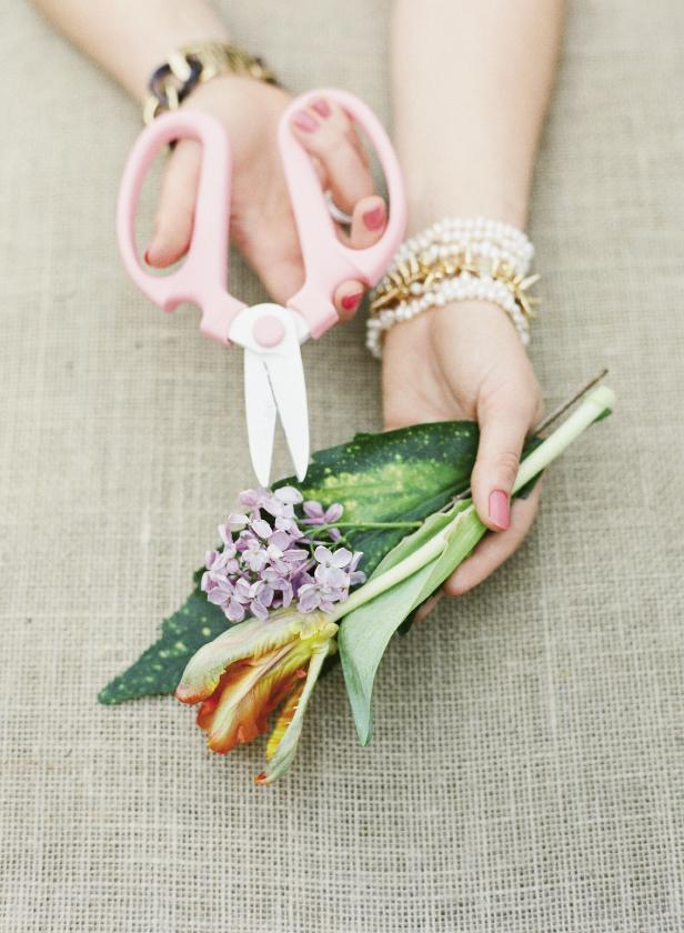 Florals by Mindy Rice Floral & Event Design. Clippers from Ohana. Photograph by Corbin Gurkin.