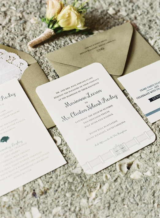 HANDSOME HINTS: Dodeline Designs incorporated the venue's front gate into the stationery.