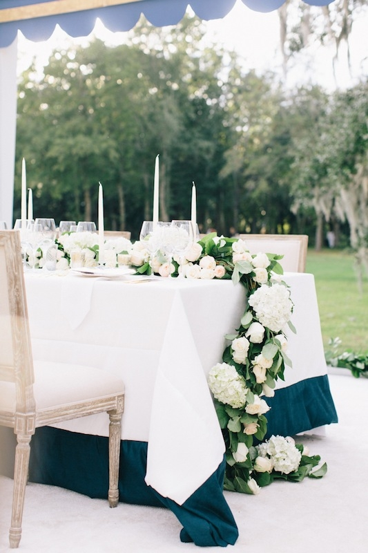Wedding and floral design and coordination by Tara Guérard Soirée. Rentals by Snyder Events and Berlin's Restaurant Supply. Image by Corbin Gurkin at Runnymede Plantation.