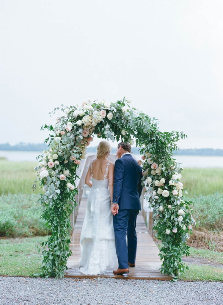 Wedding and floral design by Tara Guérard Soirée. Photograph by Elizabeth Messina at Lowndes Grove Plantation.