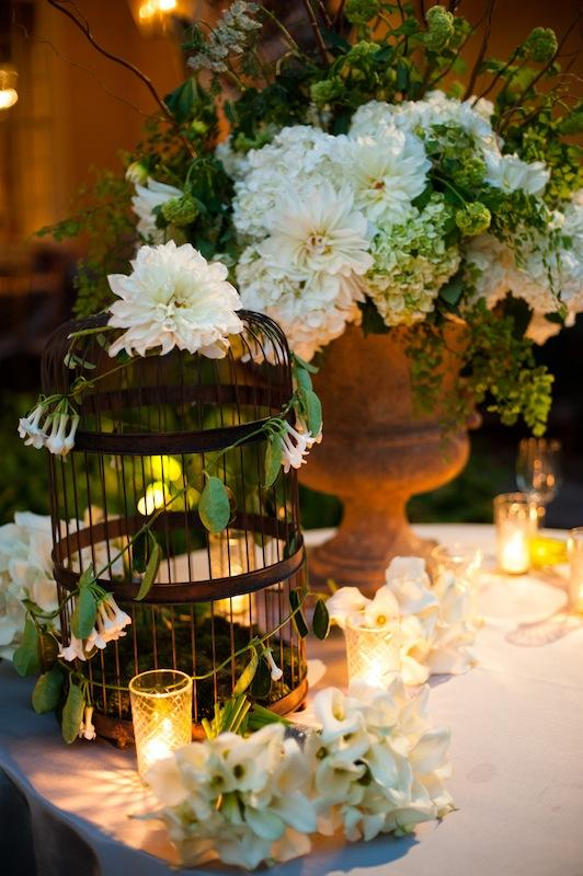Wedding design and coordination by WED. Florals by Sara York Grimshaw Designs. Image by Marni Rothschild Pictures.