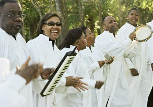 Rejoice, Rejoice: Voices of Deliverance performed at the ceremony.
