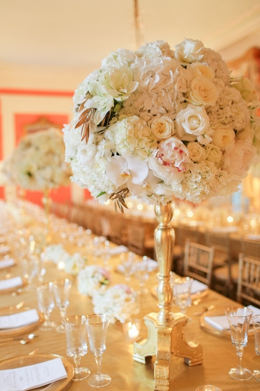Wedding design and coordination by Sweetgrass Social Event & Design. Florals by Charleston Stems. Rentals by EventWorks. Linens by La Tavola. Venue, The William Aiken House. Image by The Connellys.