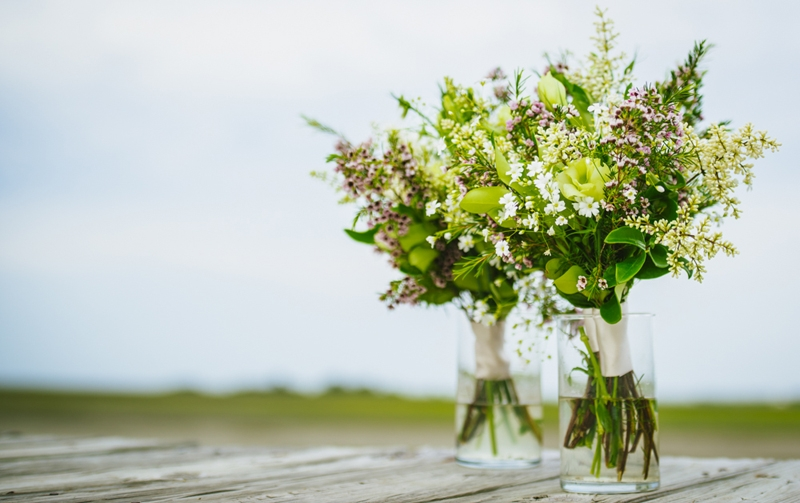Florals by FloriCHS by Nathalie Rumph. Image by Reese Allen Photography at Goat Island Gatherings.