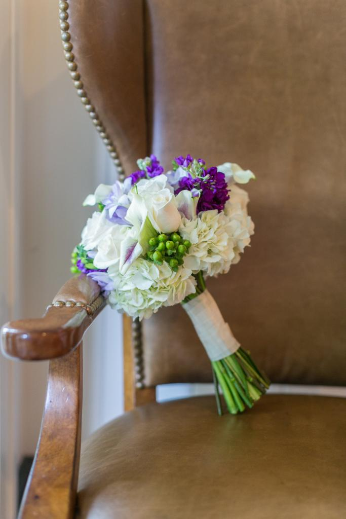 Florals by OK Florist. Photograph by Dana Cubbage Weddings.