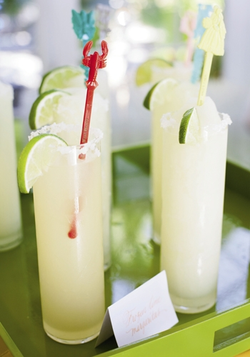 STIR IN STYLE: Funky vintage swivel sticks decorated the couple's signature margaritas.