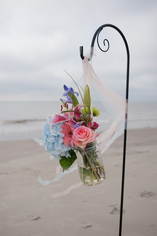 Florals by Country and Lace Florist. Image by Leigh Webber Photography at Station 30 on Sullivan's Island.
