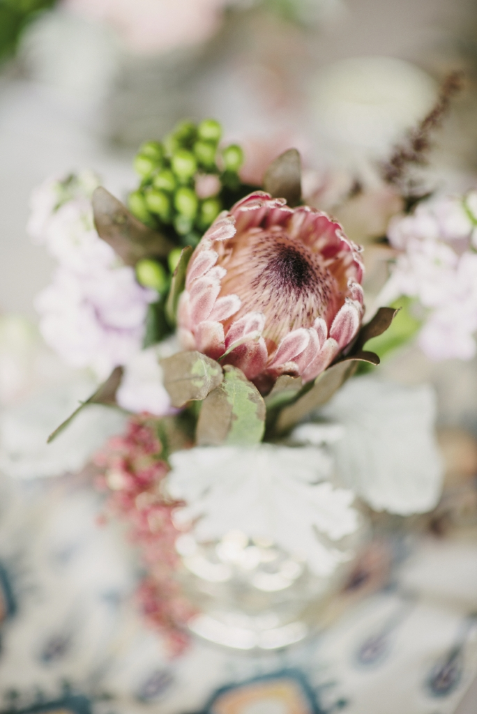 Florals by A Charleston Bride. Photograph by Sean Money & Elizabeth Fay.
