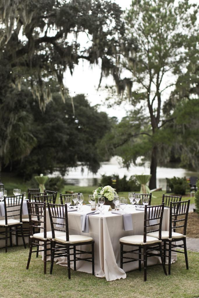 BON APPETIT: Guests dined on Lowcountry favorites like shrimp and grits.