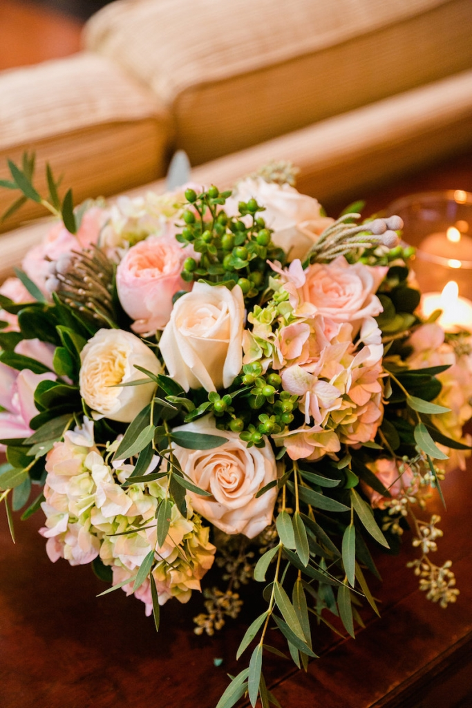 Florals by Carolina Charm. Photograph by Dana Cubbage Weddings.